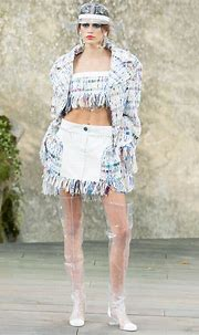 Chanel Spring 2018 Ready-to-Wear Collection - Vogue