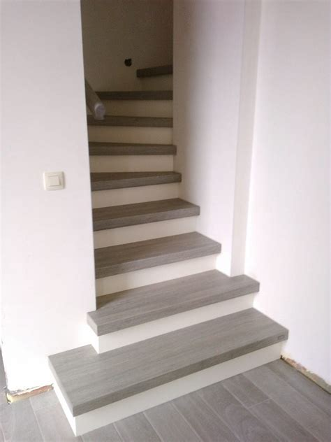 Fliesen Für Treppen Innen by Treppenbelag F 252 R Ihre Betontreppe Ein 220 Berblick 252 Ber Die