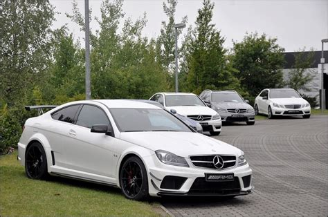 mercedes  amg coupe black series avec lamg track