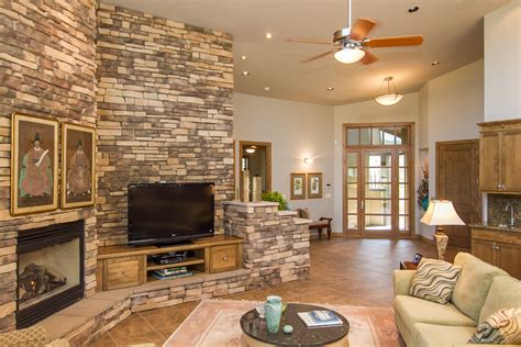 Wohnzimmer Wand Steine by Family Living Room Fireplace Ideas Homesfeed
