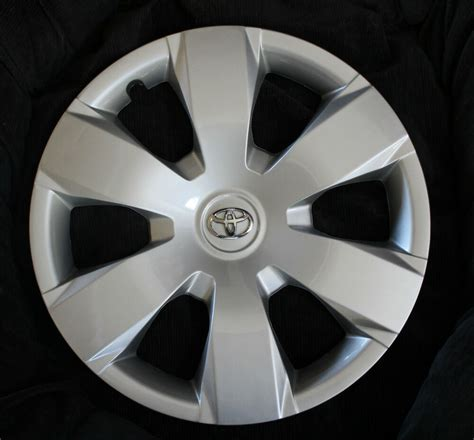 Toyota Hubcaps by Set Of Four 4 16 Quot Toyota Camry 2007 2008 2009 2010