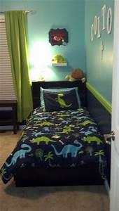 1000 ideas about dinosaur room decor on pinterest With boys room dinosaur decor ideas