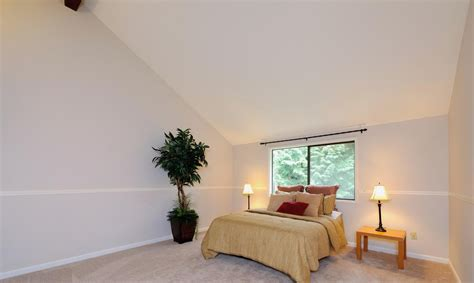 low sloped ceiling bedroom decorating www indiepedia org