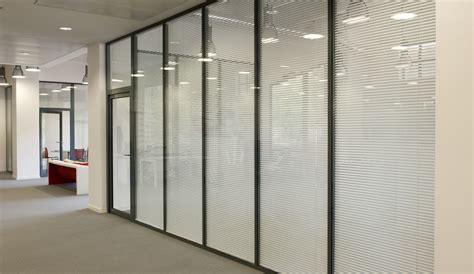cloison bureaux les types de cloisons amovibles espace cloisons alu