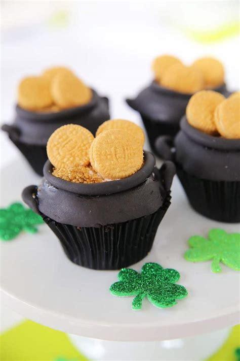 easy cute rainbow cupcakes skip   lou