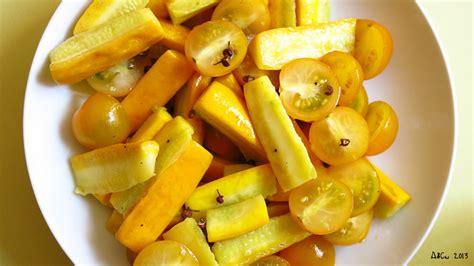 cuisiner les tomates cerises salade de courgettes jaunes au poivre de sichuan