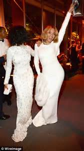 hit the floor oscar beyonce and solange party at the vanity fair oscars party daily mail online