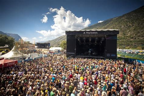 Every year 100,000 spectators celebrate across the lötschberg on the valais valley during the third august weekend. Open Air Gampel - iischi Party | Agenda - Kultur Wallis