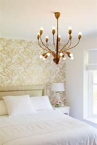Gold wallpaper for walls 2017 grasscloth wallpaper for Wallpaper for bedroom accent wall