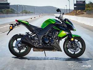 2011 Kawasaki Z1000 - Street Fighter Shootout Photos ...