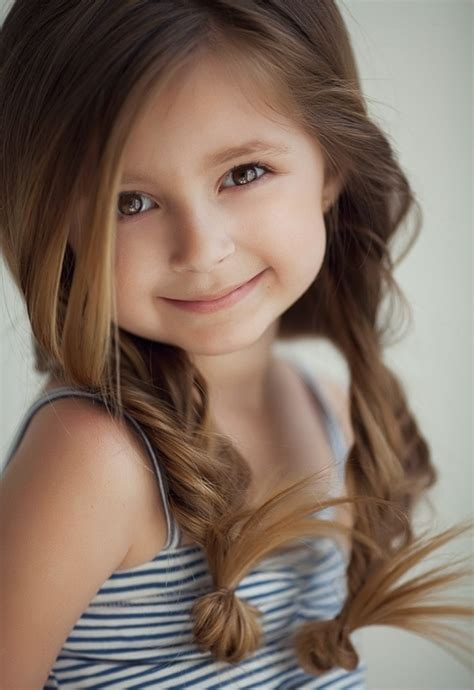 25 Cute Hairstyles with Tutorials for Your Daughter - Pretty Designs