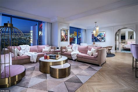 Palms 2 Bedroom Suite by Revolve Unveils Two Brand New Instagram Worthy Suites In
