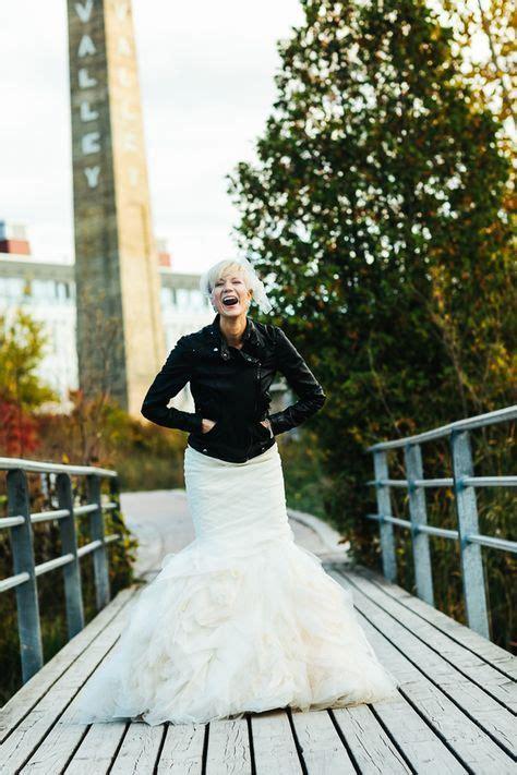 chic ways  rock  leather jacket   wedding