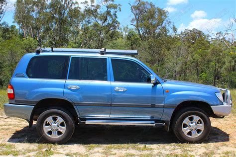 Toyota's landcruiser 76 series wagon occupies a small, very specific niche all of its own: Toyota Landcruiser 100 Series Wagon Blue 64771 | Superior ...