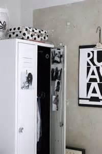 vosgesparis painting a locker inspired by