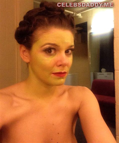Faye Brookes Nude Photos And Sex Tape Leaked