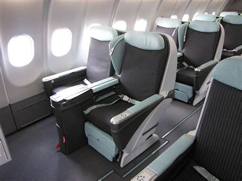 royal air maroc siege livraison du premier airbus a330 200 à tunisair l