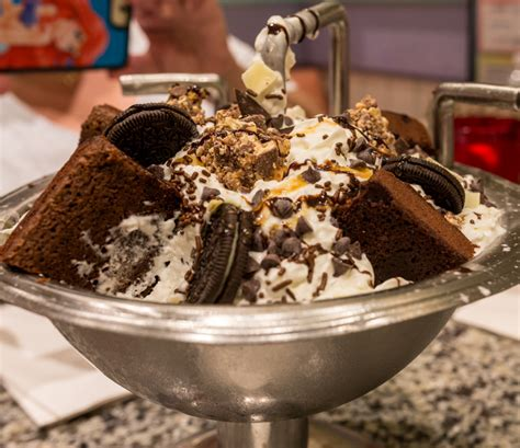 the kitchen sink disney review dinner and chocolate kitchen sink beaches and