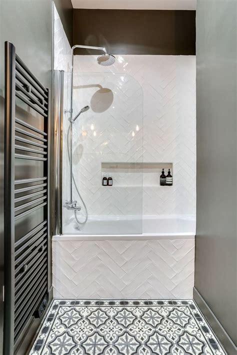 Aménager une petite moyenne salle de bain : 20 photos ...