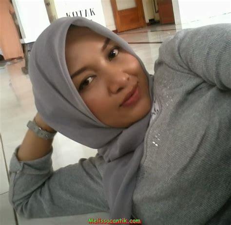 Foto Tante Muda Bandung Cantik Pakai Hijab Hot