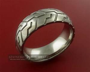 i think this can be chucks replacement wedding band for With replacement wedding ring