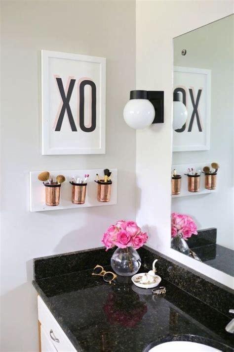 Bathroom Decor Ideas For Apartment by Best 25 Bathroom Decor Ideas On Simple