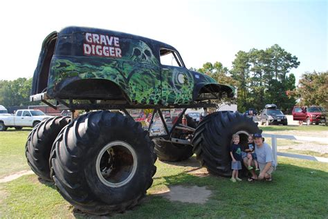 grave digger monster truck for sale 100 pro line puts the u201cdigger 100 grave digger