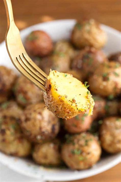 fryer air garlic parmesan potatoes way cooked crisp perfectly skin through close potatoe