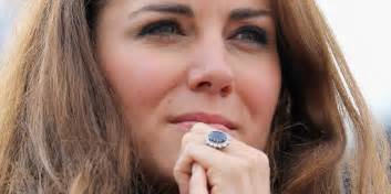 verlobungsring diana engagement rings kate middleton 39 s sparkler not the most expensive infograph