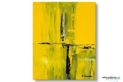 chambre couleur taupe et gris tableau jaune création abstraite format vertical déco