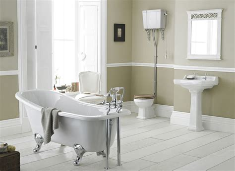 Bathroom : Richmond High Level Bathroom Suite With Slipper Bath