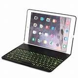 Valkoinen Applen iPad suojakotelo