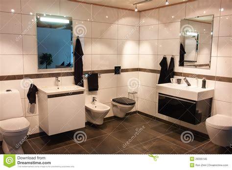 salle maison neuve bretigny grande salle de bains dans la maison neuve de luxe photo libre de droits image 29335145