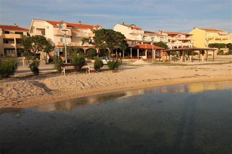 Appartamenti Isola Di Pag Croazia by Appartamenti U Portu Isola Di Pag Croaziavacanza It
