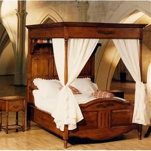 Lit A Baldaquin En Bois : lit baldaquin meubles de normandie ~ Teatrodelosmanantiales.com Idées de Décoration
