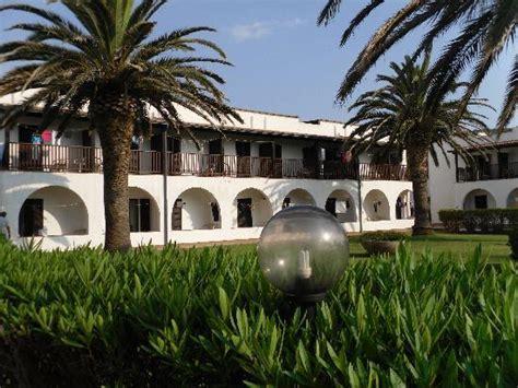 hotel porto conte hotel la sera visto dal pontile picture of hotel