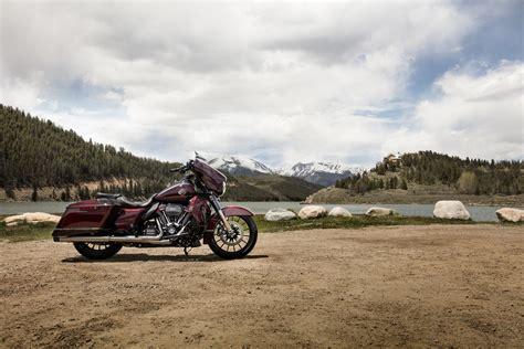 Gambar Motor Harley Davidson Cvo Glide by 2019 Harley Davidson Cvo Glide Guide Total Motorcycle