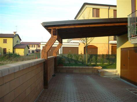 tettoia su terrazzo porticato in legno porticati con colonne su misura e