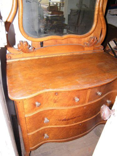 antique birdseye maple dresser with mirror antique 1920 s 30 s birdseye maple mirrored dresser vanity