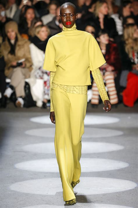 be be collection runway christian siriano fall 2016 rtw collection