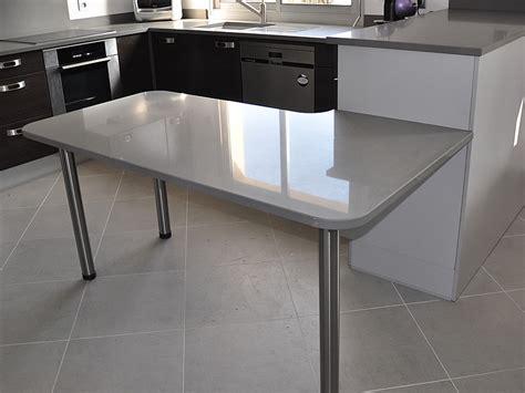 table plan de travail cuisine granits déco plan de travail en quartz unistone grigio