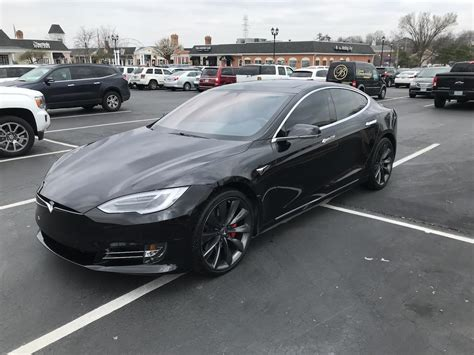 Model S / Dec 2016 / Obsidian Black