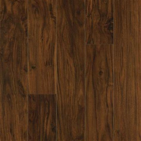 Pergo Xp Flooring Colors by Pergo Xp Kona Acacia Laminate Flooring 5 In X 7 In