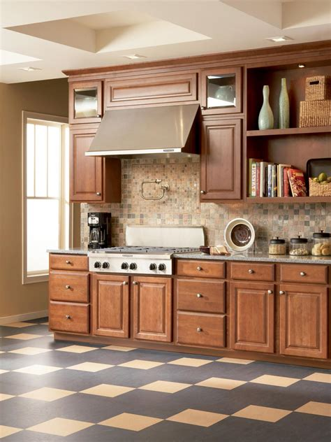 linoleum flooring kitchen ideas linoleum flooring in the kitchen hgtv 7125