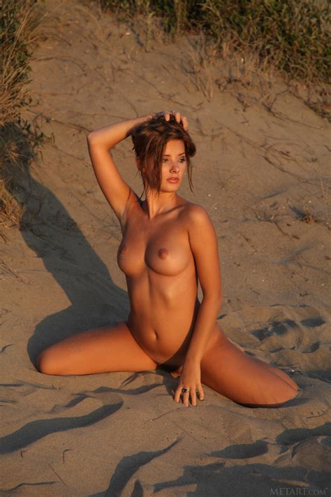 Anna Tatu Nude In 12 Photos From Met Art