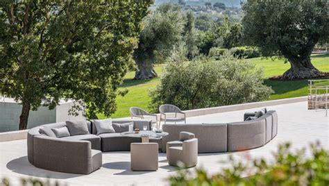 Divano Contenitore Da Giardino : Belt Modular Sofa By Varaschin For Outdoor Furniture