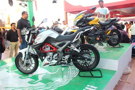 Review Benelli Tnt 25 by Benelli Tnt 25 Review Price Feature Specification
