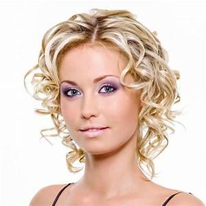 Blonde Mittellange Haare : mittellange und kurze haare mit locken bildergalerie ~ Frokenaadalensverden.com Haus und Dekorationen