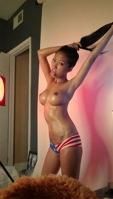 Sukie Kim Nude The Fappening Leaked Photos
