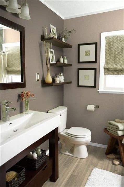 tv dans salle de bain les 25 meilleures id 233 es de la cat 233 gorie couleur des murs sur couleurs de peinture